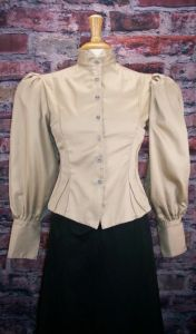 Frontier Classics Fitted Blouse